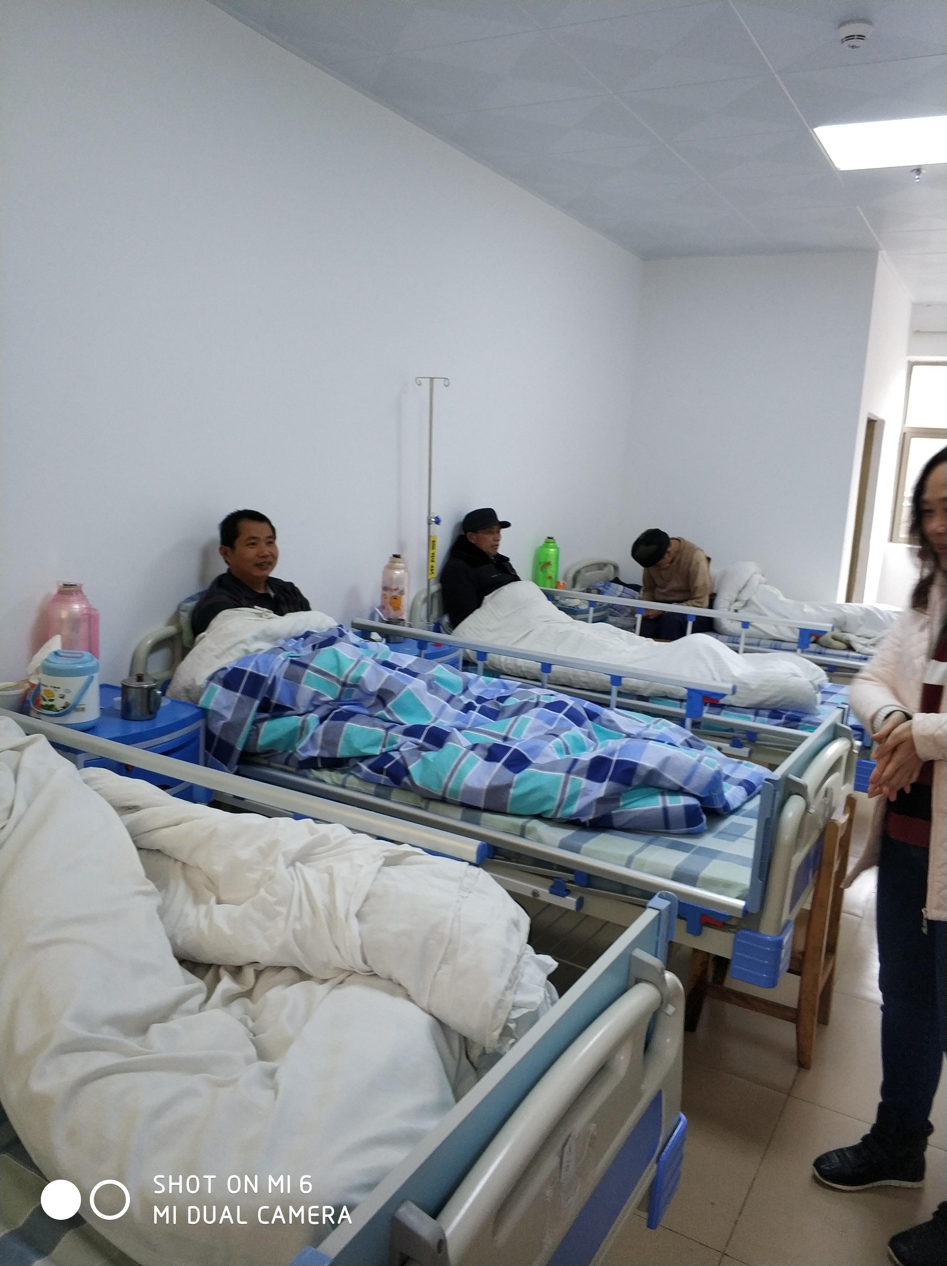 探訪大站鼎信醫院舉行捐贈病床儀式2.jpg